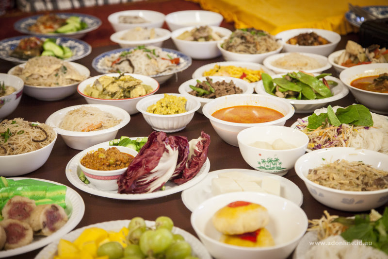 Bowls of food laid out on an altar